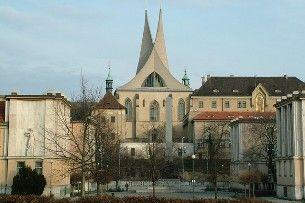 Was bedeutet Emmaus? Ein prächtiges, den slawischen Schutzheiligen gewidmetes Kloster
