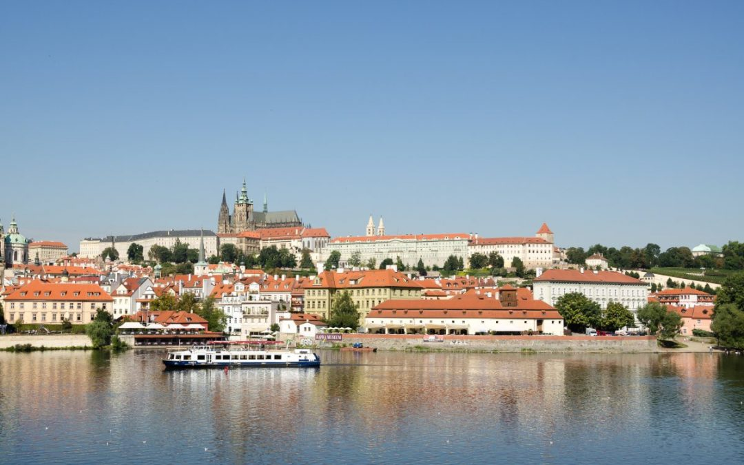 Auf die Prager Burg sind die Tschechen stolz, die ganze Welt beneidet sie darum